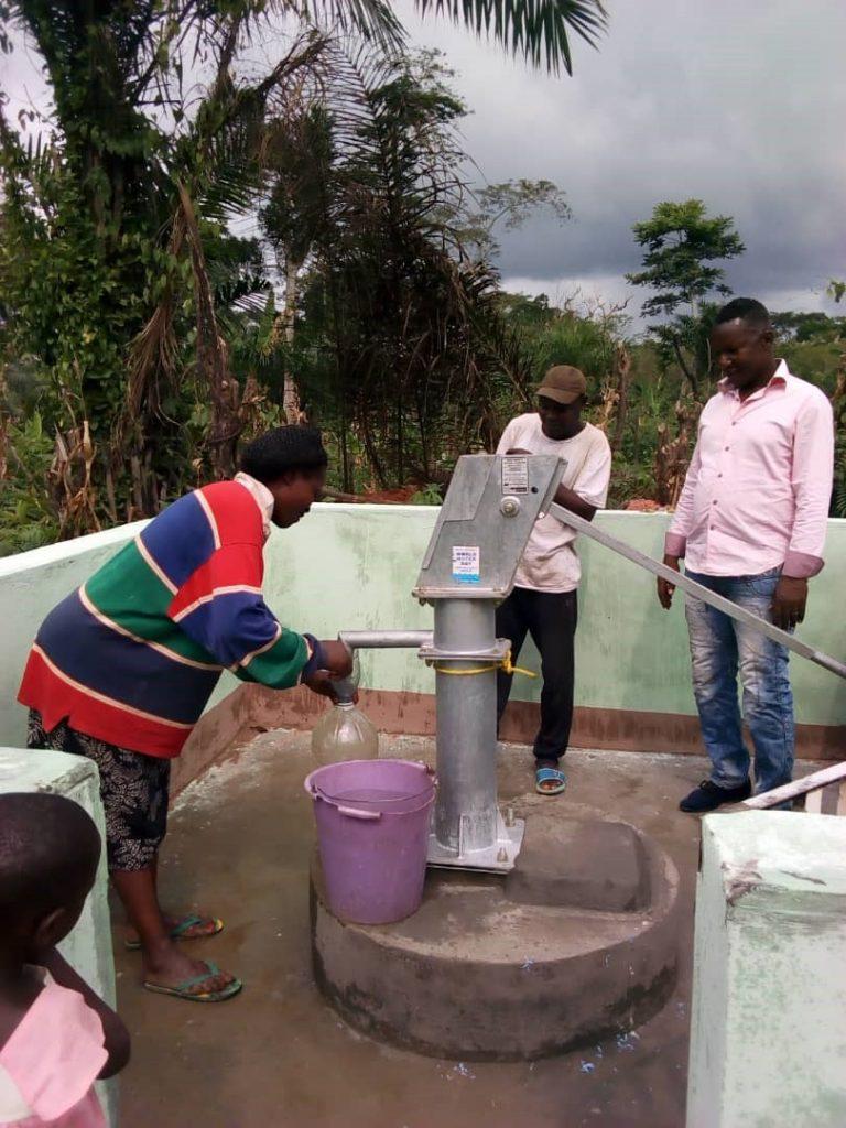 Spende für Brunnen in Afrika - Die Elefantenfüsse